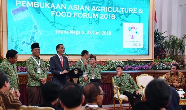 Agar Ekonomis, Jokowi Imbau Para Petani Bentuk Korporasi Tani