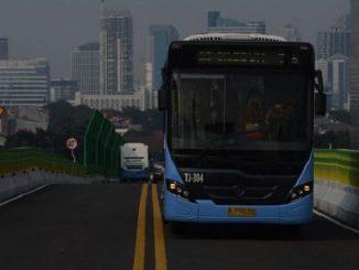 Di Era Ahok, PNS Gratis Naik Transjakarta; di Era Anies, Bayar Lagi