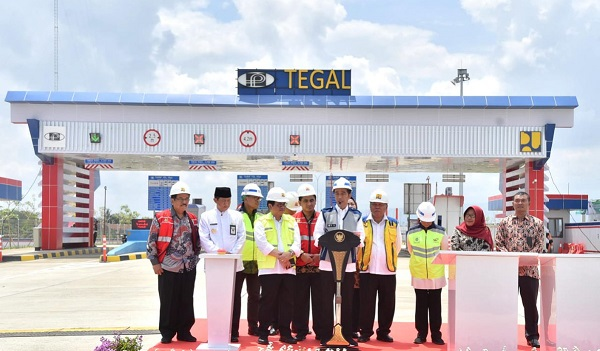 Infrastruktur Jalan Tol Pelancar Distribusi Barang dan Jasa