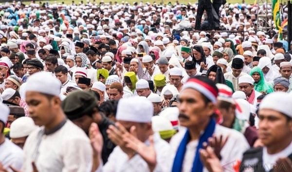 212, Gerakan Politik Bersampul Agama