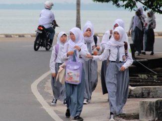 Pemaksaan Jilbab di Sekolah Negeri Terjadi secara Terstruktur, Sistematis, dan Masif