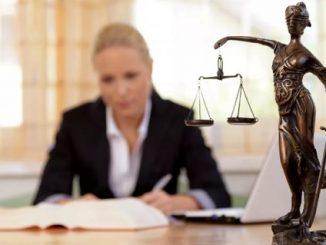 Merawat Marwah Advokat