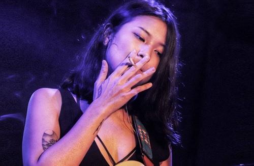 Apa Salahnya Perempuan Merokok?