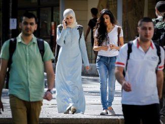 Islam Mereposisi Perempuan