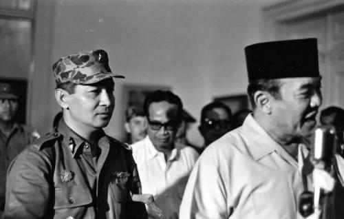 Kudeta Merangkak Soeharto di Balik Kemalangan Soekarno