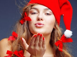 "Ungkapan ""Selamat Natal"" Bukan Syarat Pindah Agama"