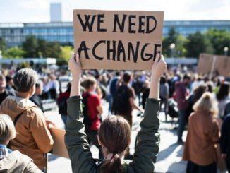 Wabah Menakutkan adalah Politisi Populis di Tengah Krisis