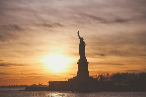 Libertarianisme sebagai Filosofi Politis dan Kebebasan Ekonomi