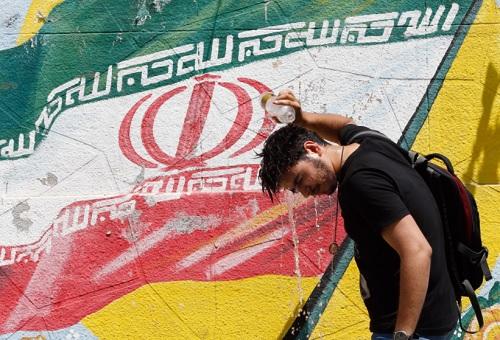 Iran; Makin Religius Sekaligus Makin Sekuler
