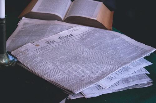 Menulis di Koran