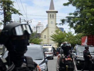 Bom Katedral Makassar, Ledakan Kilang Balongan, dan Misa Bahasa Indonesia di Vatikan