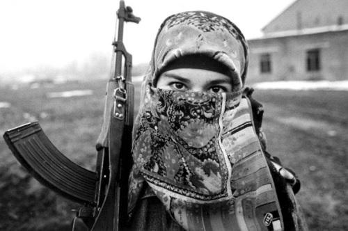 Mewaspadai Keterlibatan Perempuan dalam Terorisme lewat Analisis Gender