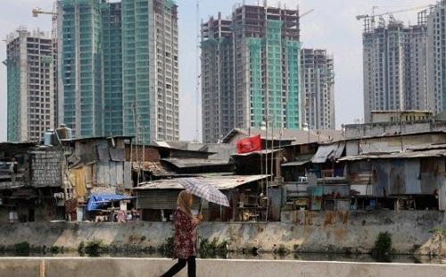Potret Kemiskinan di Balik Gemerlap Ibu Kota