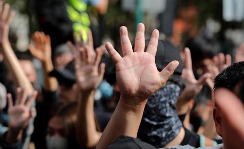 Jalan Mundur Demokrasi Indonesia