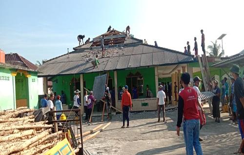 Masjid Al-Huda Sungaiselan dan Budaya Gotong Royong
